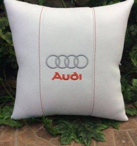 Подушка в автомобиль. Audi