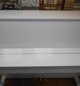 Белое пианино Rubinstein