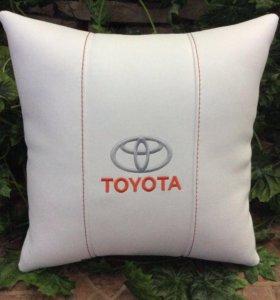 Подушка в автомобиль. Toyota
