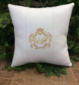 Именные подушки с Вашими инициалами
