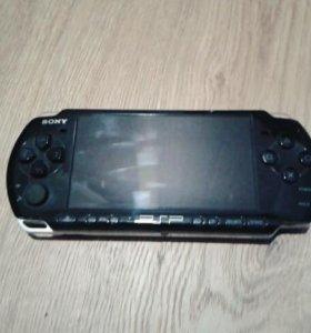 PSP 3008 Black + чехол на неё + карта памяти 8 Gb
