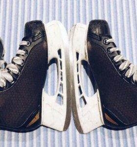Хоккейные коньки Bauer