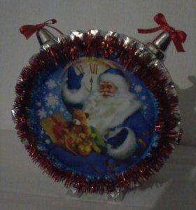 Часы новогодние из конфет