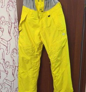 Сноубордические штаны DC с юбкой. Размер XL.