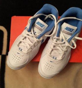 Кроссовки теннисные