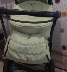Детская коляска салатовая