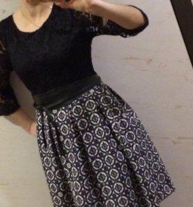 Платье на гипюре