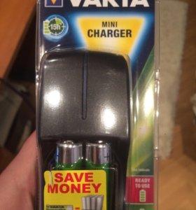 Аккумуляторы и зарядная база