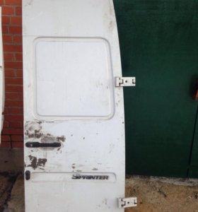 Дверь задняя для мерседес спринтер без петель.