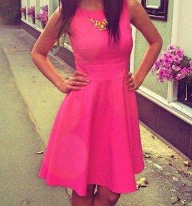 Ярко-розовые платье MOHITO