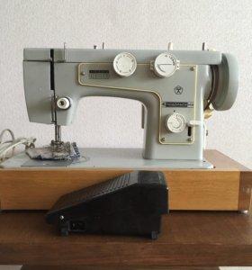 Машинка швейная Подольск 142