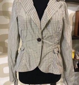 Новая куртка,ветровка