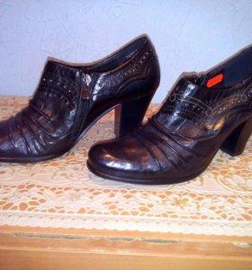 Ботинки натуральная кожа,  новые размер 39