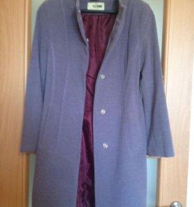 Пальто красивого лилового цвета р42-44