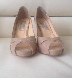 Итальянские кожаные туфли AVC