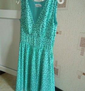 Платье очень красивое!