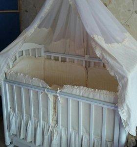 Роскошный комплект в детскую кроватку