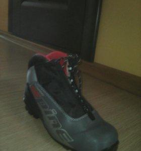 Лыжные Ботинки р38-39.