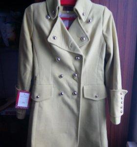 Пальто демисезонное рр 48