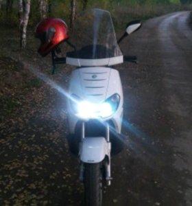 Макси скутер benelli caffenero 250i инжектор