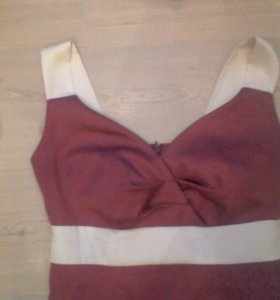 Темно розовое платье