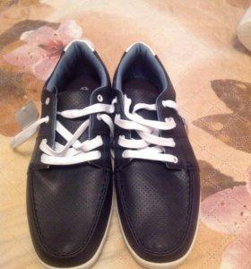Новые кроссовки, размер 43-44