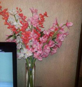 ВАЗа и искусственные цветы (орхидеи и Лидии)