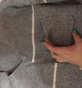 Тёплый свитер. Новый, сама раза 3 одевала