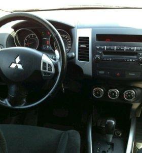 Mitsubishi Outlander.2010
