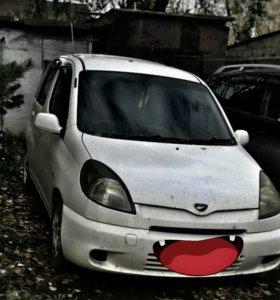 Toyota Funcargo 2001г.