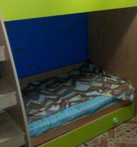 Двух ярусная детская кровать 1.90*1,0