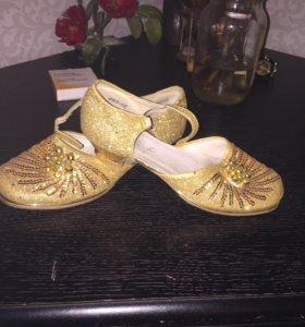 Обувь на девочек 34