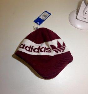 Продам детскую новую шапку Adidas