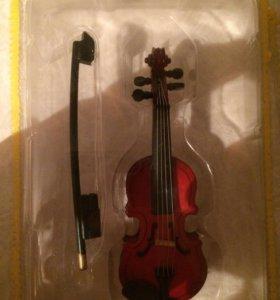 Мини модель музыкального инструмента (скрипка)