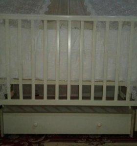 Детская кроватка. Продается месте с постелью.