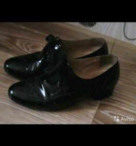 Женские туфли.Нат.кожа ,лак(р.41,5-42)