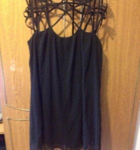 Платье чёрное с брительками