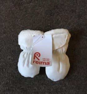 Варежки Reima.