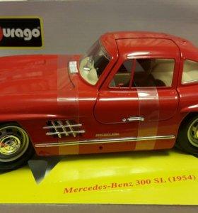 Коллекционая модель машины1:18