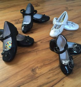 Продаются новые девочковые  туфли