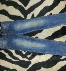 Детские джинсы.