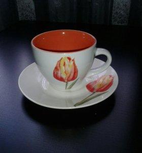 Чайные кружки с блюдцами