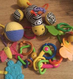 Подвесные игрушки для колясок или игровых ковриков