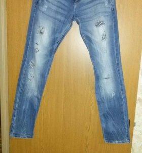 джинсы и жилетка(пакетом)