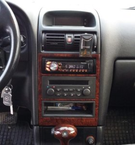 Автомобиль Opel Astra 2003 гв, 1.8АТ