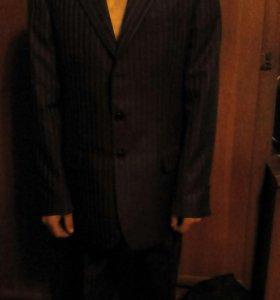 Продам муж.костюм