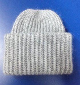 Модная мохеровая шапка в два оборота
