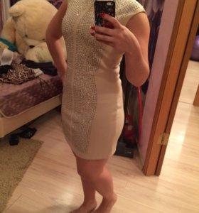 Продам платье 44 раз.