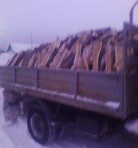 Столбы 200 . дрова1000руб . куб .