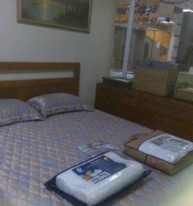 Спальный гарнитур из массива.